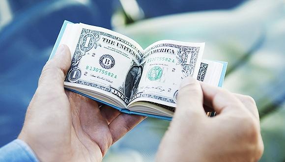 政协委员翟美卿两会提案:不应将校园贷'妖魔化',有需求就得有供给