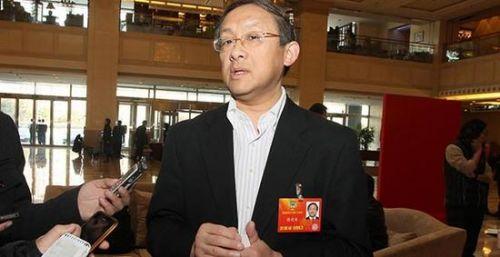 政协委员蔡建国:校园贷是双刃剑 要加大监管力度