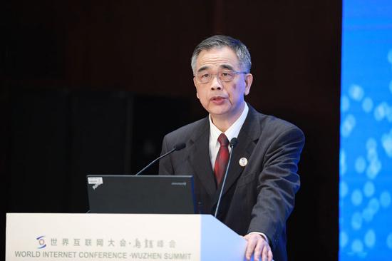 李东荣:服务实体经济的金融科技才有生命力