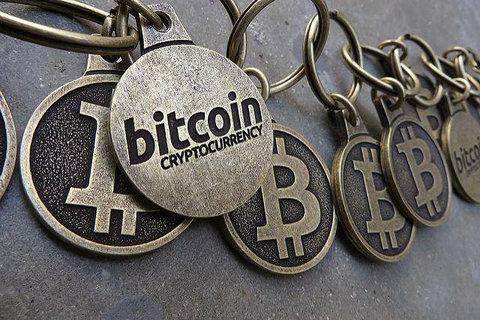 美SEC要求加密货币平台必须注册 比特币跌破1万美元