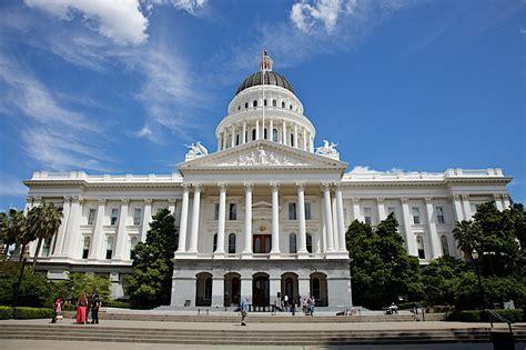 美国加州将立法认可合法区块链上保存的企业股东信息