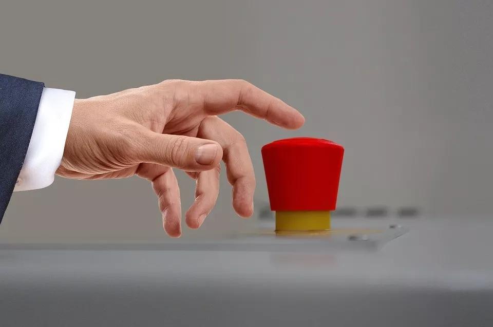 P2P整改与监管的博弈:平台焦虑上火、监管下手也难