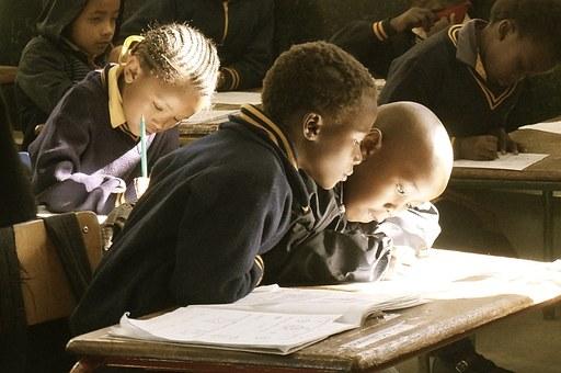 世界银行:提高教育普及率,移动货币的新作用