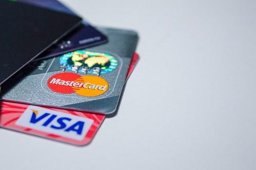 51信用卡上市后首份财报:收入增长明显放缓,结构开始调整